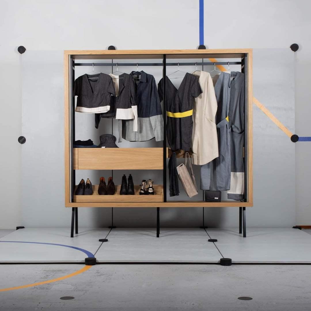Ondiepe kledingkast - Ontwerper Rose Groot - Design & Wijn