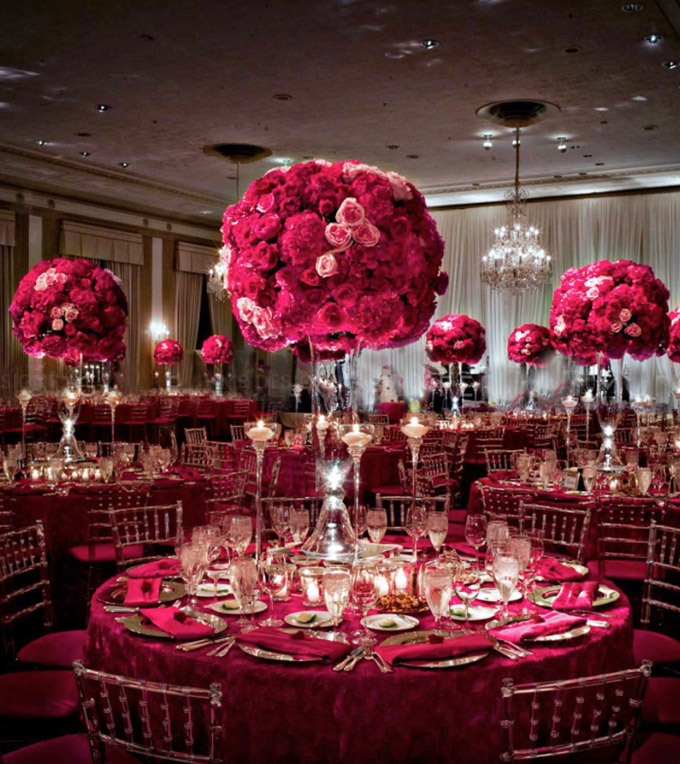 Beautiful elegant red floral luxury wedding flowers for Christmas table cover ideas