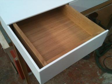 Intérieur du tiroir en panneau latté chêne