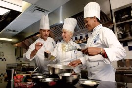 Ontario_Le_Cordon_Bleu_Ottawa_Culinary_Arts_Institute_three_chefs_in_the_kitchen_690370