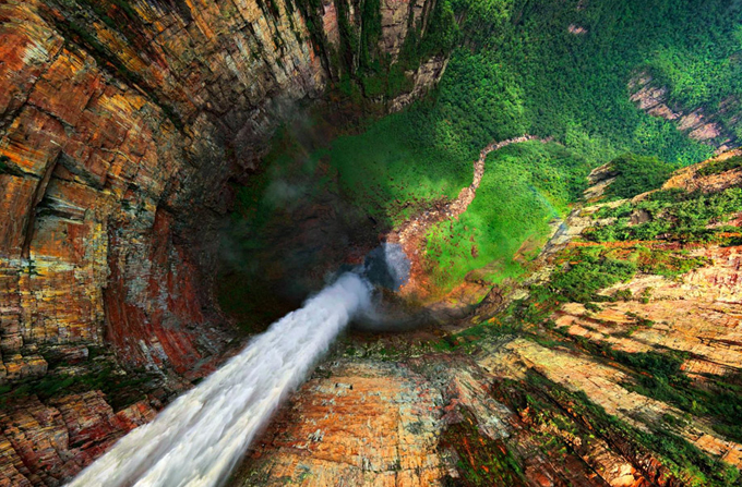 waterfalls-around-the-world-6