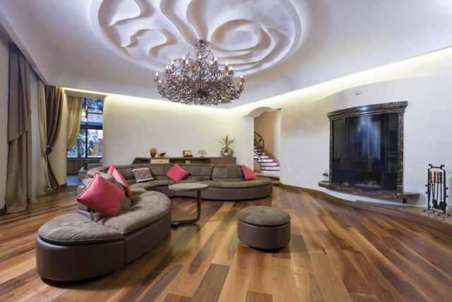 Asma avize tavan tasarımı ile oturma odası