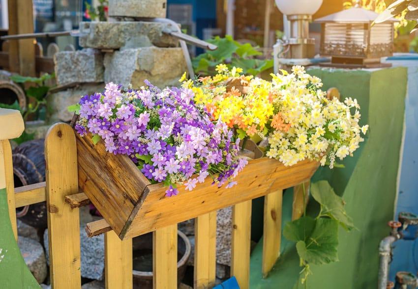 Chain Link Fence Flower Pots