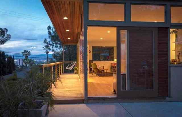 Modern modüler ev ilavesi