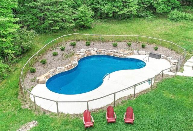 Taş istinat duvarlı havuz