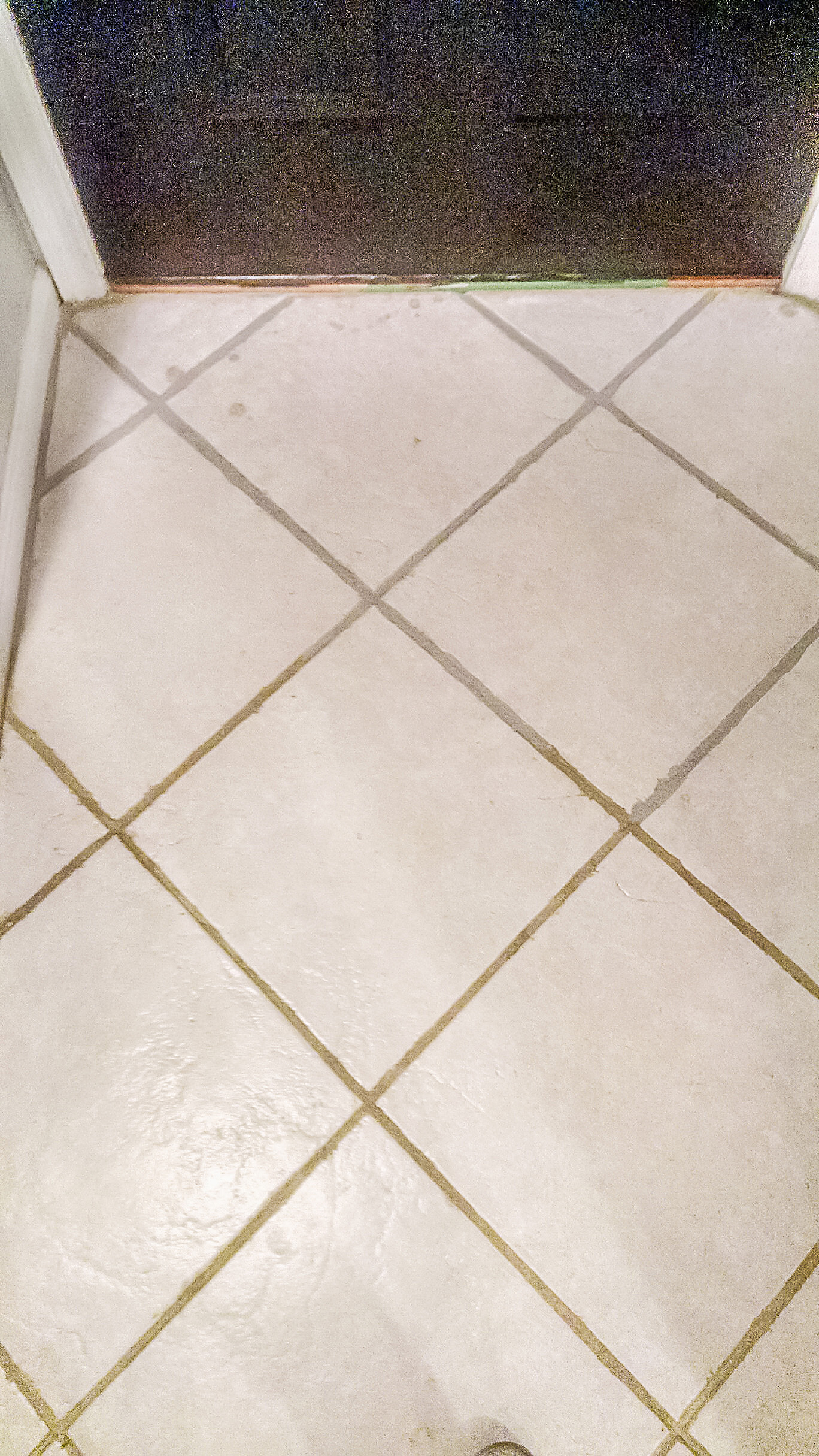 How to paint over dingy grout diy gray grout how to paint over grout dailygadgetfo Images