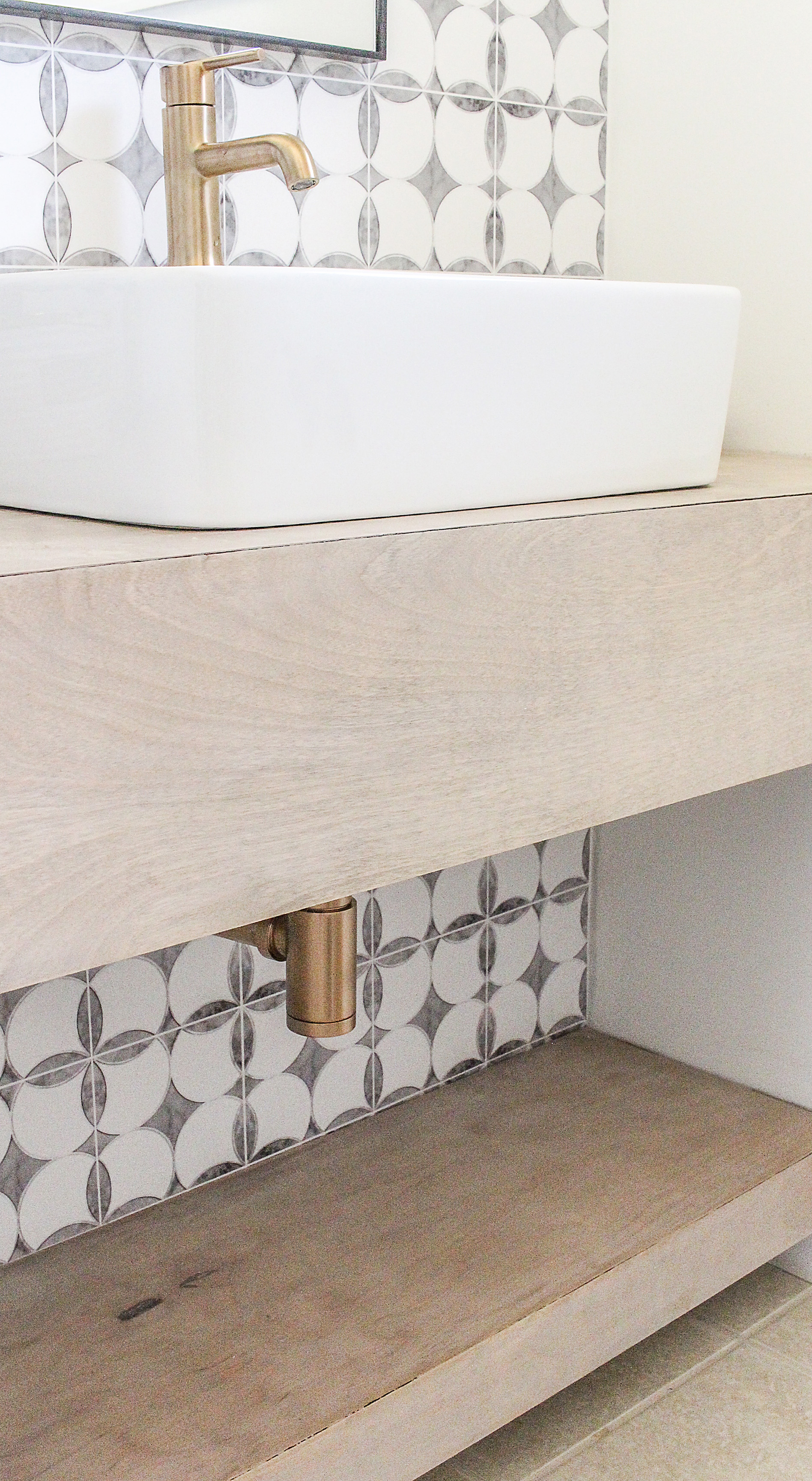 Charmant Modern Floating Vanity Diy