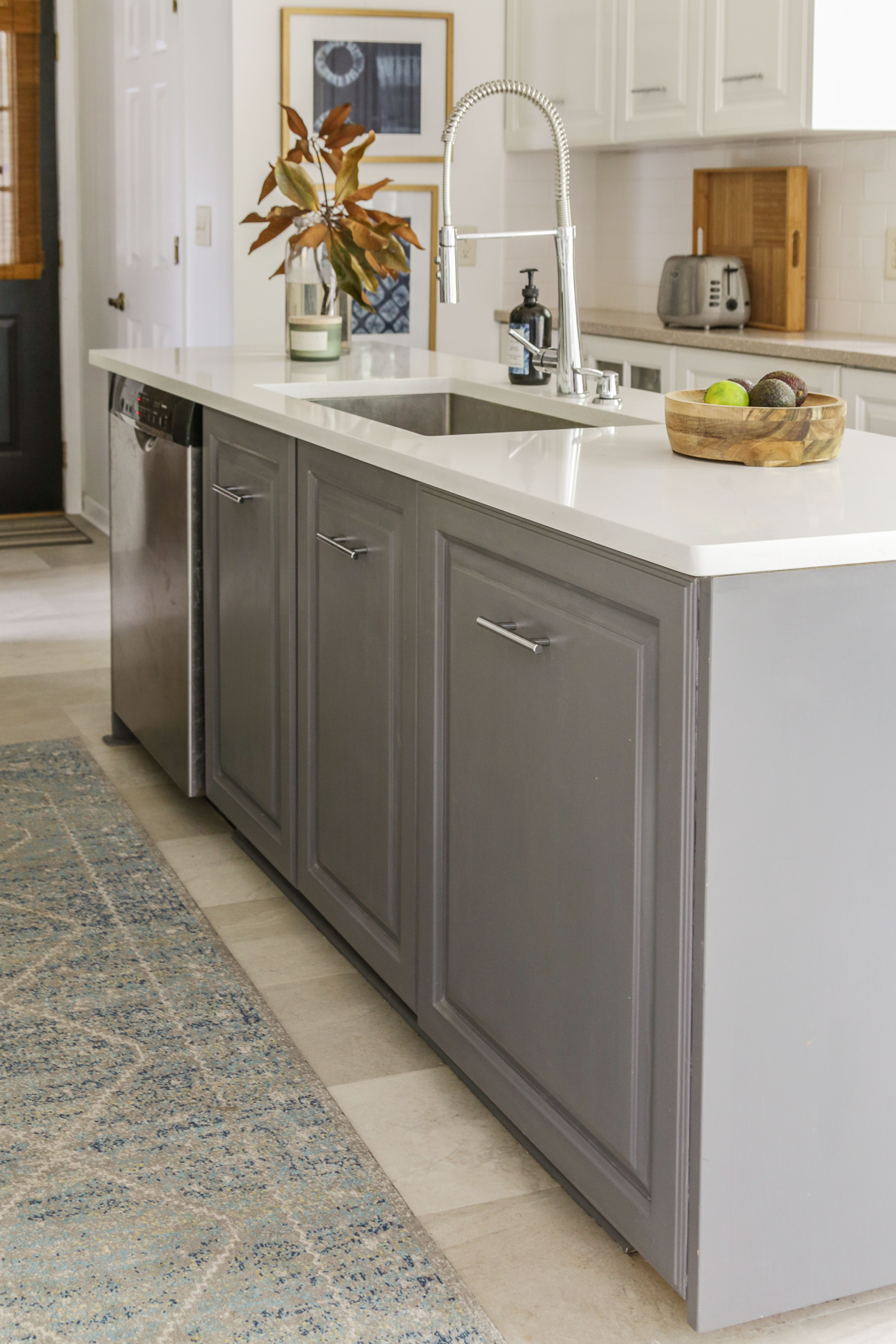 Fine An Honest Review Of My Milk Paint Kitchen Cabinets One Year Home Remodeling Inspirations Basidirectenergyitoicom