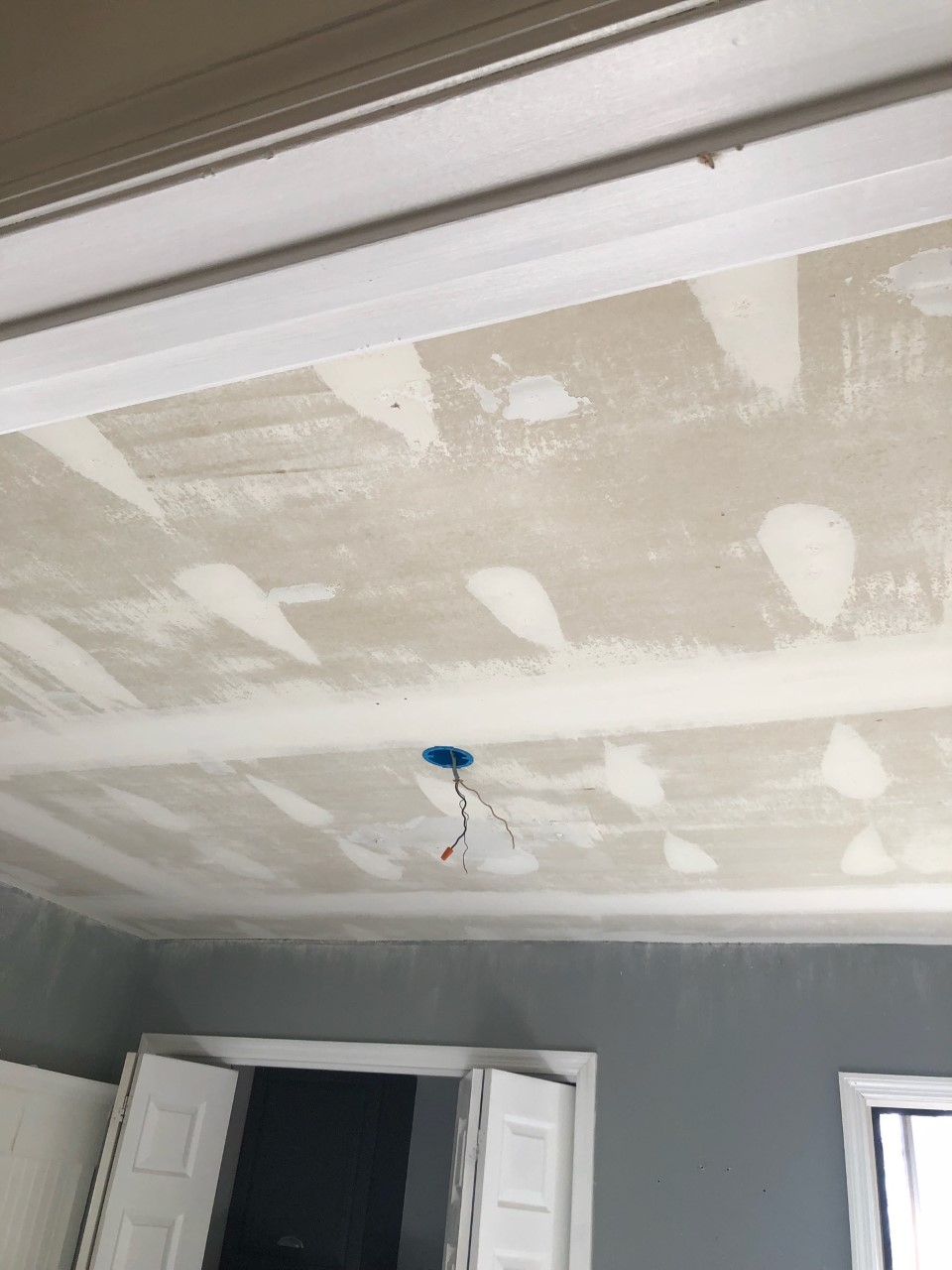 How To Remove Popcorn Ceilings Like A Pro Smoothing