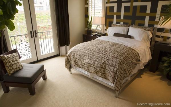Small bedroom setting