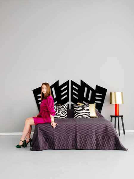 acrylic-black-headboard