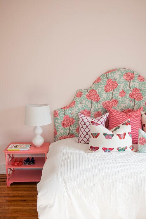 eclectic-bedroom-pink-color