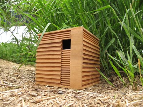 Modern-wooden-birdhouse