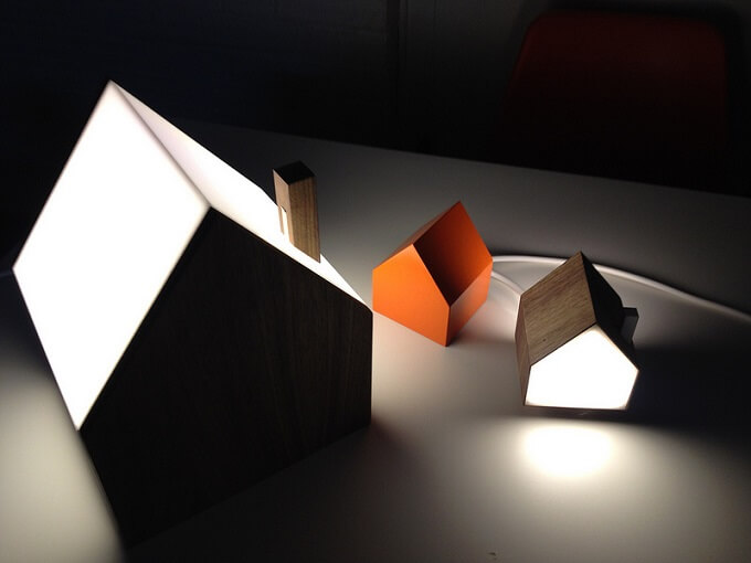 Connected-house-shaped-lamps