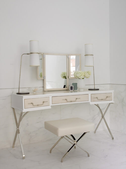 Lovely-dressing-table