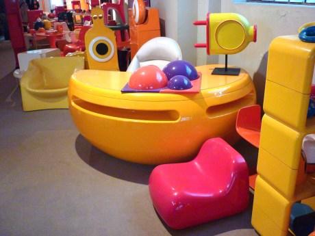 Design Luminy P1060508 Plasticarium - Adam Museum - Bruxelles Histoire du design Références  Plastique Plasticarium Philippe Decelle Bruxelles