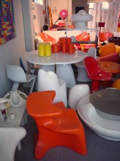 Design Luminy P1060523 Plasticarium - Adam Museum - Bruxelles Histoire du design Références  Plastique Plasticarium Philippe Decelle Bruxelles