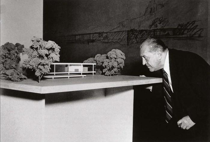Design Luminy Mies-Farnsworth LudwigMies van der Rohe (1886, Aix-la-Chapelle -1969, Chicago) Histoire du design Références Textes  Mies van der Rohe