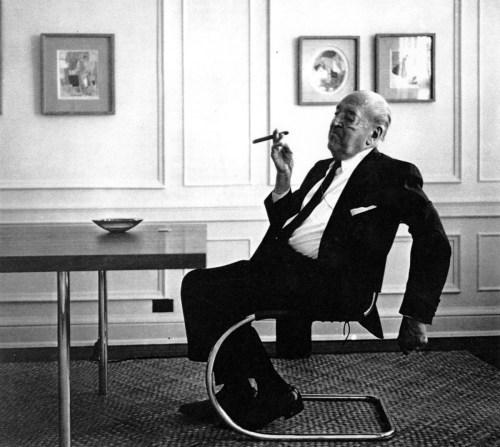 Design Luminy Mies-Portrait-500x447 LudwigMies van der Rohe (1886, Aix-la-Chapelle -1969, Chicago) Références  Mies van der Rohe   Design Marseille Enseignement Luminy Master Licence DNAP+Design DNA+Design DNSEP+Design Beaux-arts