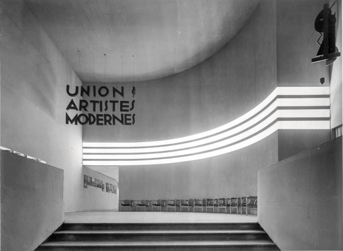 Design Luminy Hall-du-premier-salon-de-lUAM-au-musée-des-Arts-décoratifs-1929 Manifeste de l'UAM Histoire du design Références Textes  UAM Robert Mallet-Stevens Manifeste