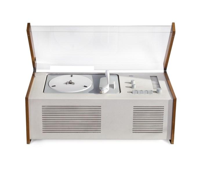 Design Luminy 66_white_a Radio Tourne-Disque PhonosuperSK4 Histoire du design Icônes Références  Phonosuper SK4 HansGugelot Dieter Rams Braun