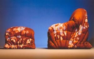 Design Luminy sit-down-300x190 Gaetano Pesce (1939-) — Séries différenciées Histoire du design Icônes Références  Gaetano Pesce   Design Marseille Enseignement Luminy Master Licence DNAP+Design DNA+Design DNSEP+Design Beaux-arts