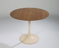 Design Luminy table-tulipe-saarinen1_21026757153_o Chaise Tulipe 1956 – Eero Saarinen (1910-1961) Histoire du design Icônes Références  Tulipe Knoll Eero Saarinen   Design Marseille Enseignement Luminy Master Licence DNAP+Design DNA+Design DNSEP+Design Beaux-arts