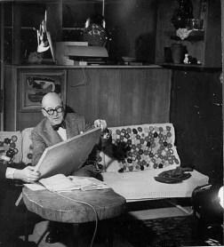 Design Luminy 93414268_3204753706202998_2170085629927358464_o Table basse tronc d'arbre – Le Corbusier –1937 Histoire du design Références  Le Corbusier