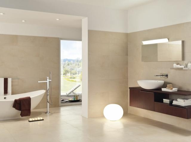 carrelage idée salle de bain baignoire lampe design douche miroir
