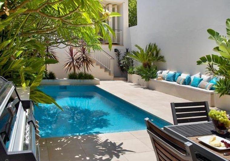 petite piscine jardin beton