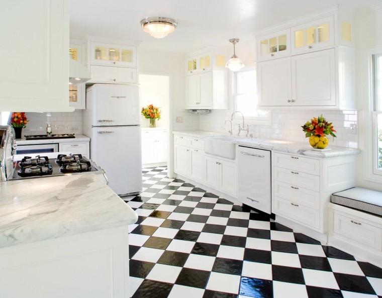 carrelage cuisine en noir et blanc 22