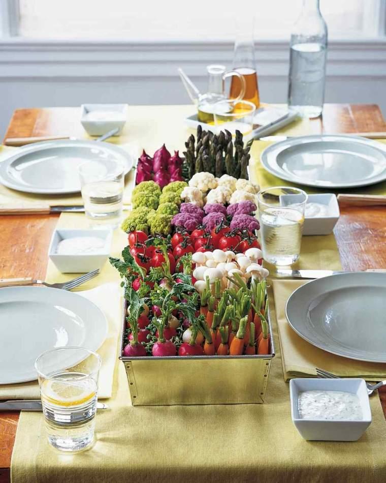 idees de deco table printemps avec des arrangements floraux