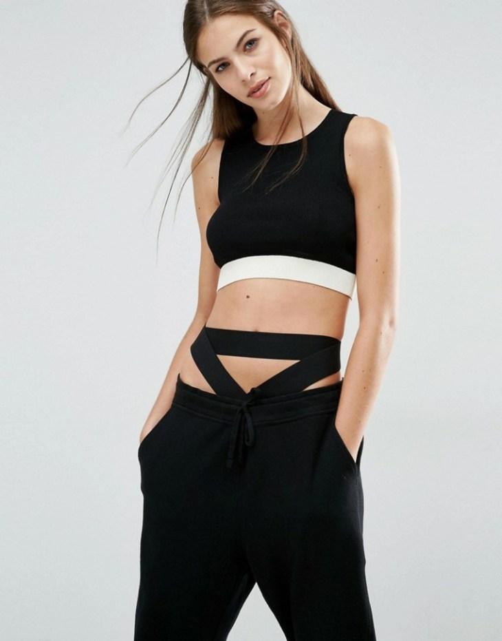 femme mode tendance top court noir pantalon noir tendance idée reebok