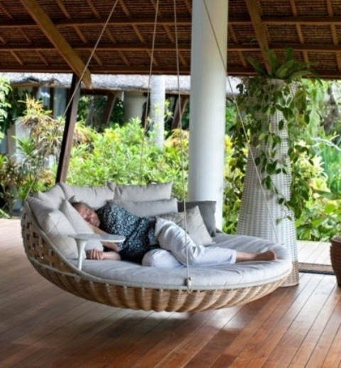 lit de jardin suspendu ou quand le