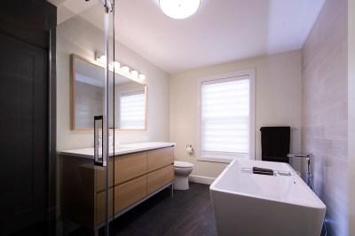 Salle de bain Vanité sur mesure Douche sans seuil Haut de gamme Candiac 1