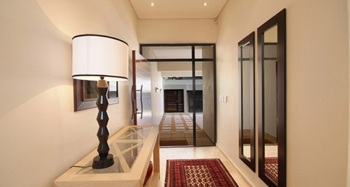 Contemporary Villa - Entrance Foyer