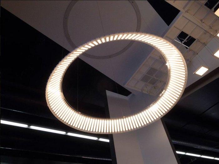 有機LEDの照明器具デザイン事例