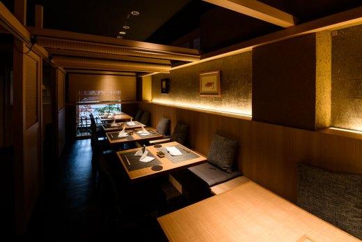 飲食店舗内の照明デザイン事例