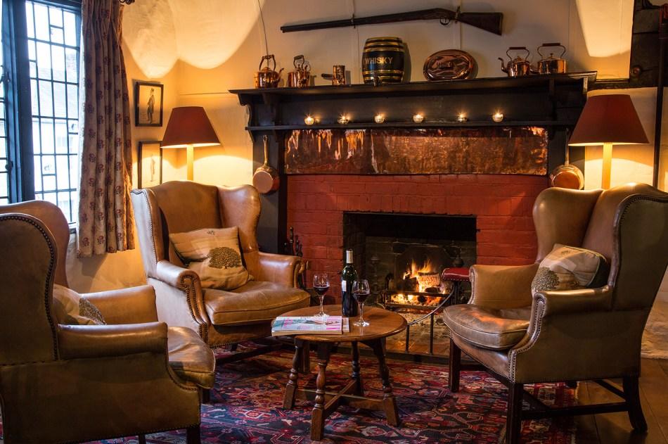 fireplace-bar-2