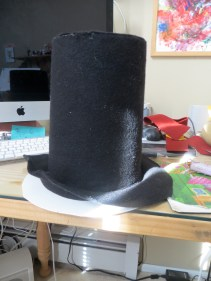 Wrapping the rest of the hat.