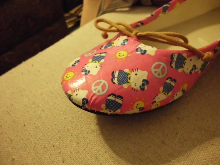 How to Give Shoes a Makeover with Duct Tape SANY0606