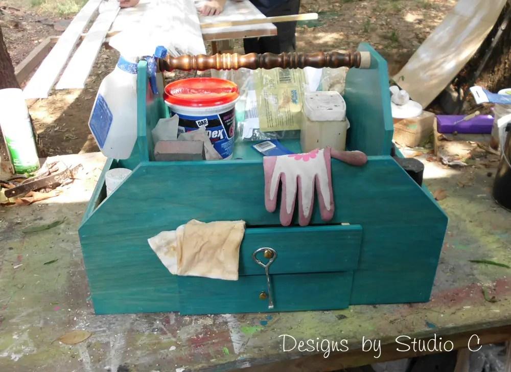 build a vintage style toolbox designs by studio c. Black Bedroom Furniture Sets. Home Design Ideas