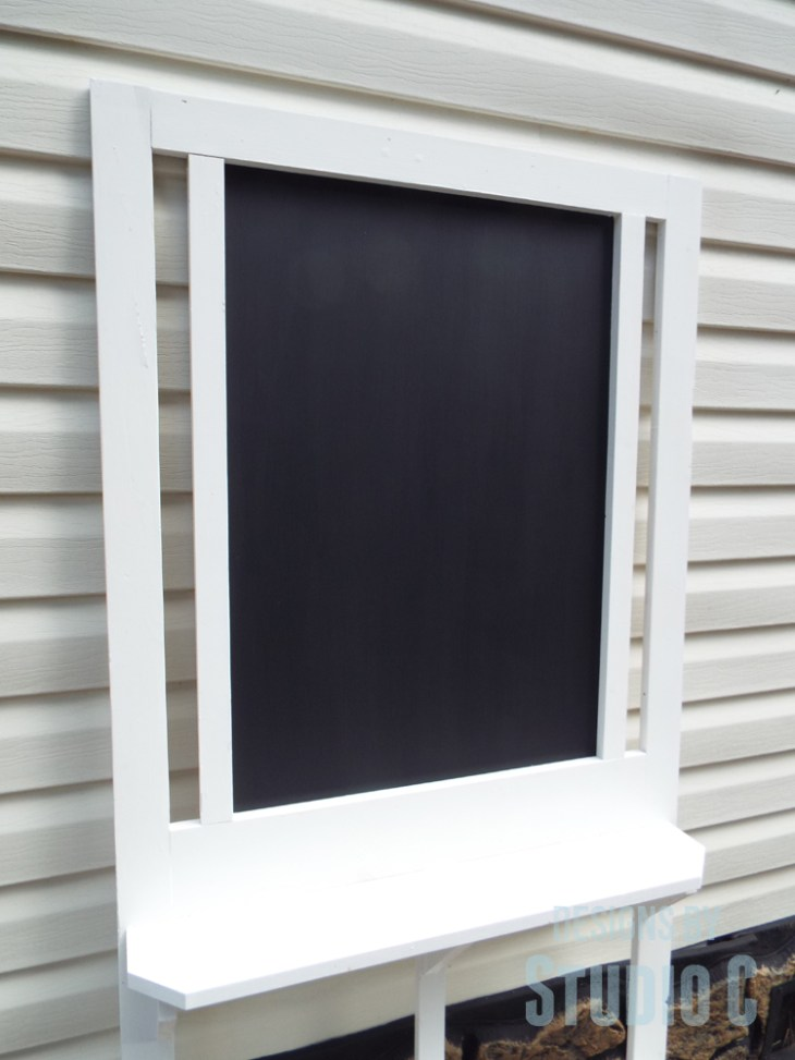 Turn an Old Screen Door into a Chalkboard with Shelves_Chalkboard