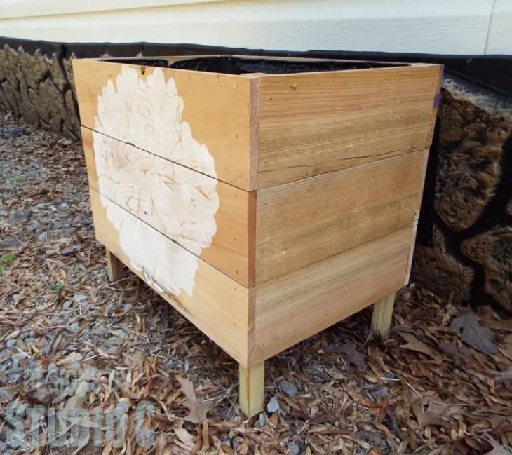 Super Simple Cedar Planter Box Using Fence Pickets