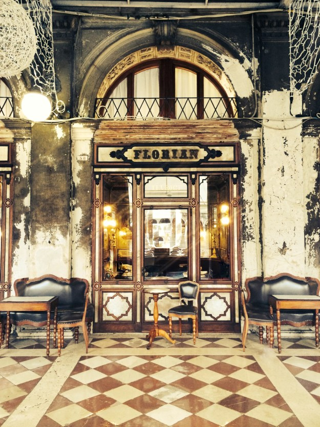Venice bloggers guide - Cafe Florian, wallpaper city guide