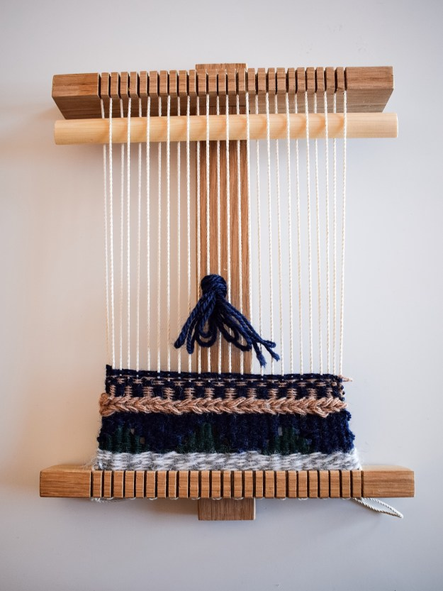 Learning to hand weave tapestry wall hanging craft