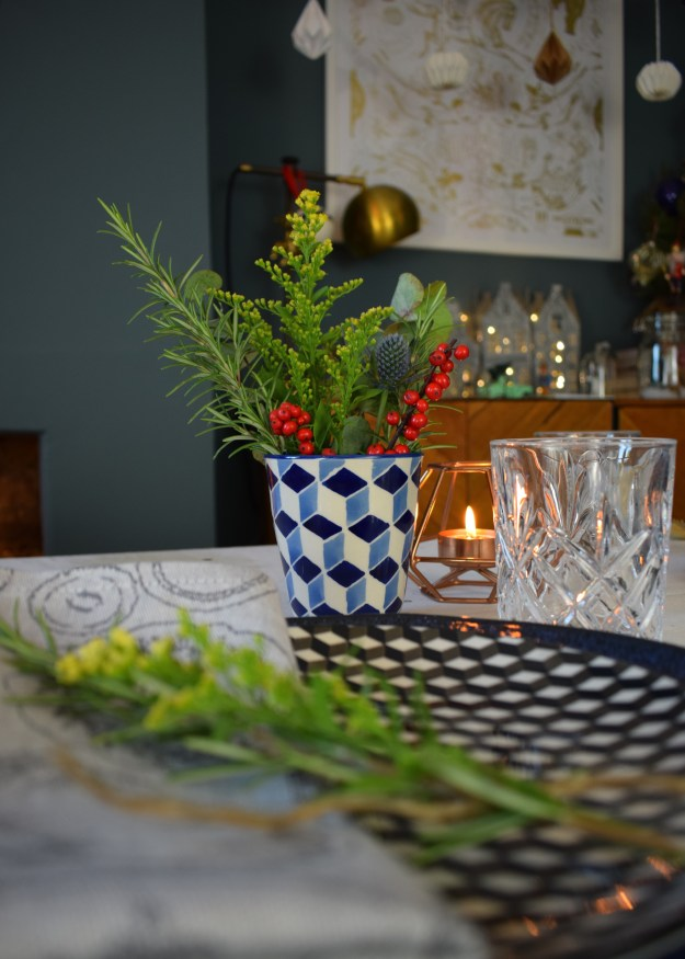Winter dining christmas styling ideas and inspiration, simple nordic scandinavian design simple floral table arrangement