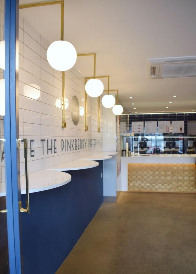 Pinkberry Islington London restaurant interiors bloggers guide scallop wood fishscale blue brass metro tiles (2)