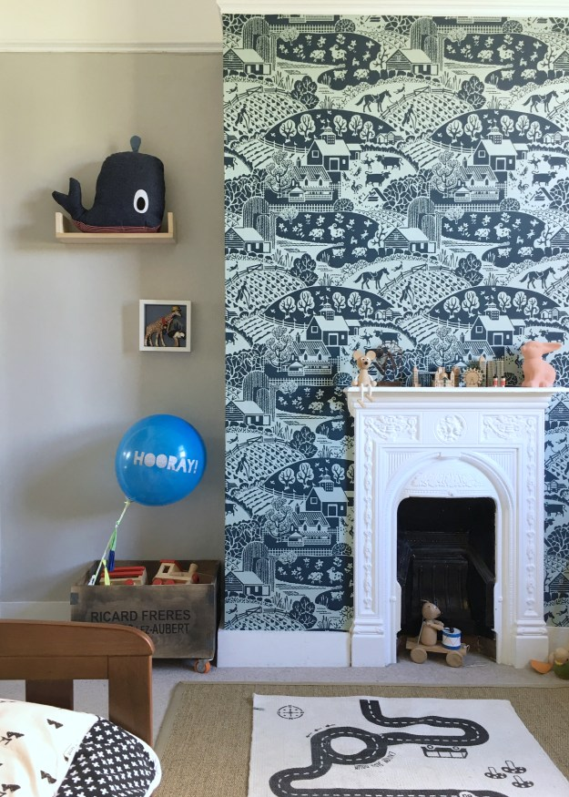 Farrow Ball Gable wallpaper interior ideas, childrens room decor with a scandi monochrome scheme, cornforth white, vintage and wooden toys, oyoy monochrome rug, ferm living denim whale (3)