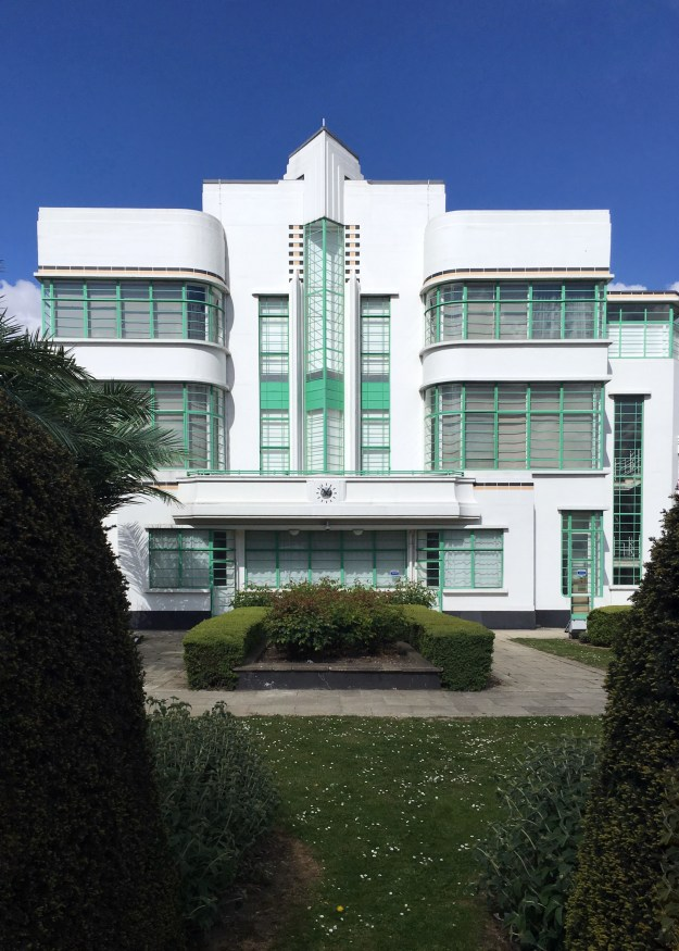 Hoover Building London, Art Deco Architecture